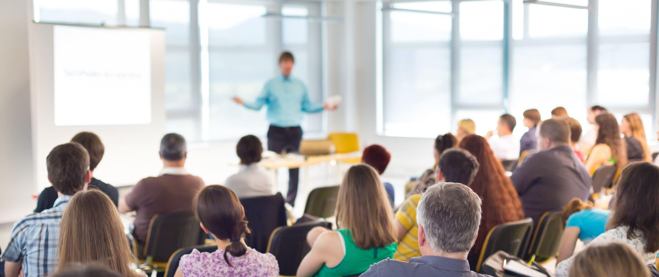 melhore-sua-oratoria-faca-um-curso-de-como-falar-em-publico.jpg