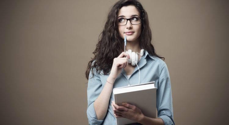 cursos-com-certificado-e-faculdade-no-que-um-pode-ajudar-no-outro.jpg