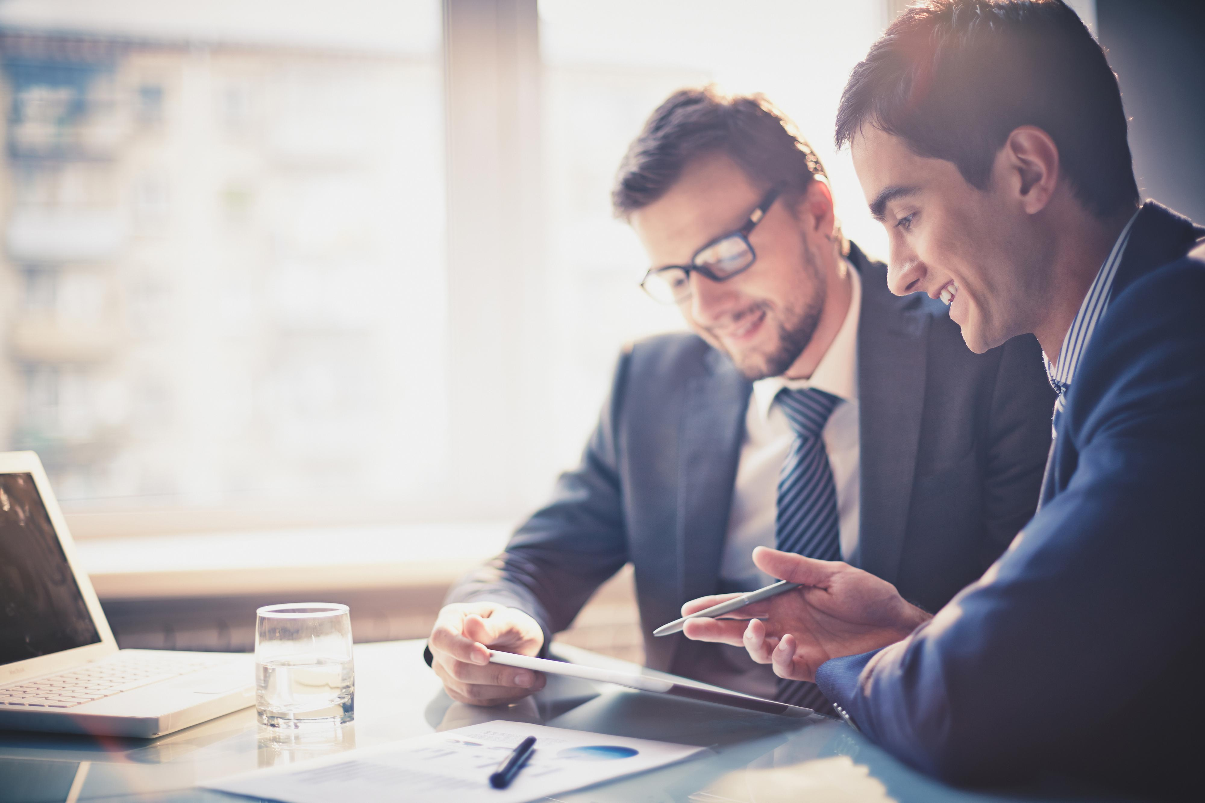 saiba-se-portar-adequadamente-diante-de-situacoes-do-trabalho-com-um-curso-de-etiqueta.jpg